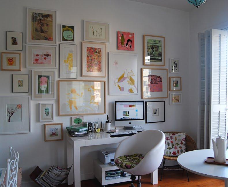 Оформление стен картинами фото. Оформление стен квартиры картинами фото идеи